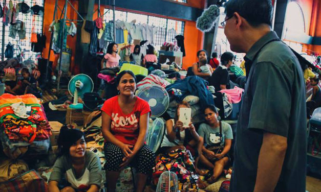 Tagle spends priesthood anniversary with Tondo fire victims