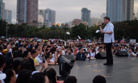 Cardinal Tagle urges all Manila parishes to mark EDSA anniversary