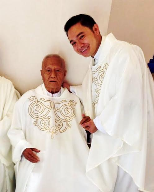 Parishes mourn death of oldest priest