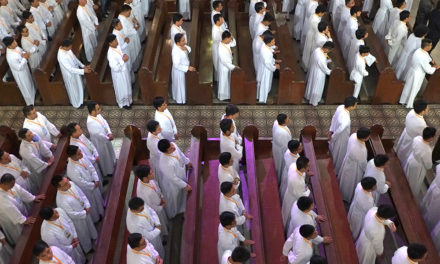 Archbishop orders Oratio Imperata for priestly vocations