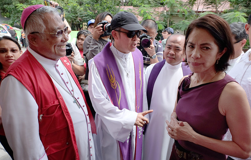 More bishops back Lopez as environment chief