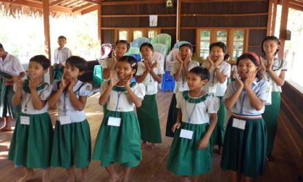 Korean Catholics help train Myanmar teachers