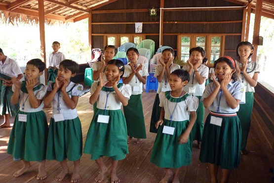 Korean Catholics help train Myanmar teachers
