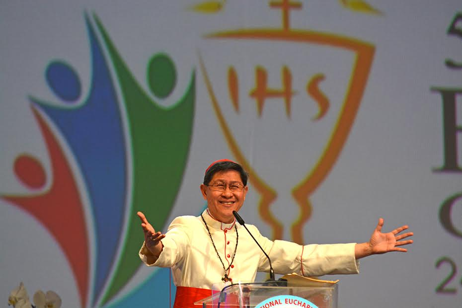 Drop 'holier than thou' attitude, Cardinal Tagle says