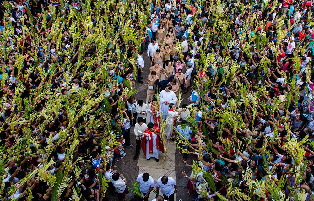 LOOK: Filipino Catholics observe Palm Sunday