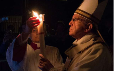 Christ renews a weary humanity, Pope Francis says at Easter Vigil