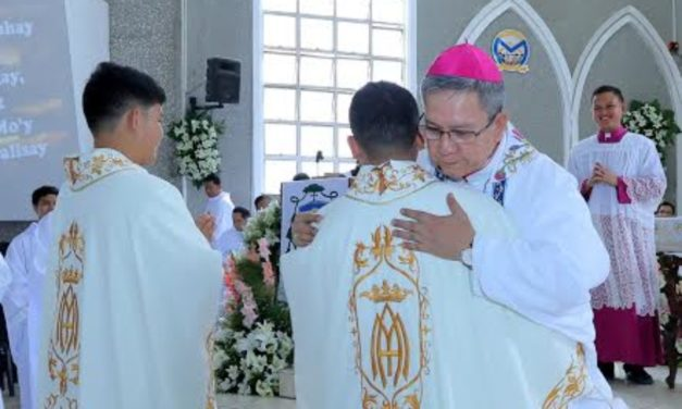 Kidapawan bishop to new priests: 'Walk with your people'