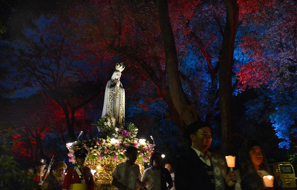 LOOK:  Filipino Catholics mark Fatima centennial