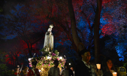 LOOK:  Filipino Catholics mark Fatima centennial
