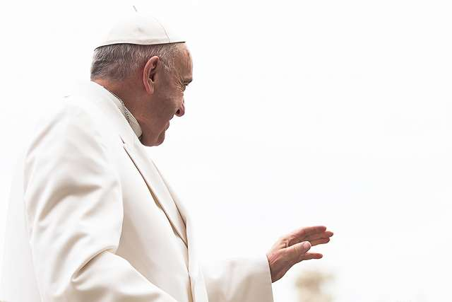 Pope Francis: Church teaching helps us avoid harm of ideology