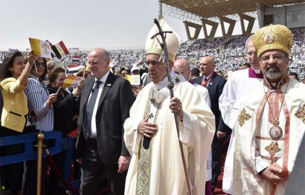 Our only 'fanaticism' should be love, Pope tells Egypt's Catholics