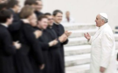 Pope to seminarians: Let Mary help you fall in love with Jesus
