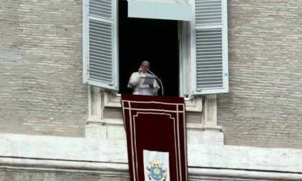Pope Francis warns against 'false wisdom' that distracts from God