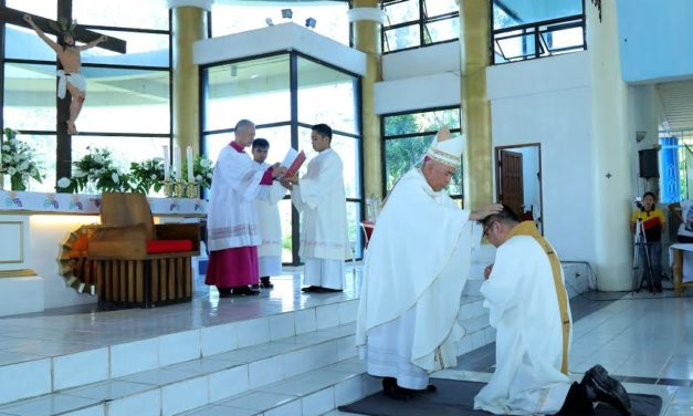 Heeding God's call: Accountant, nurse among Davao's new priests
