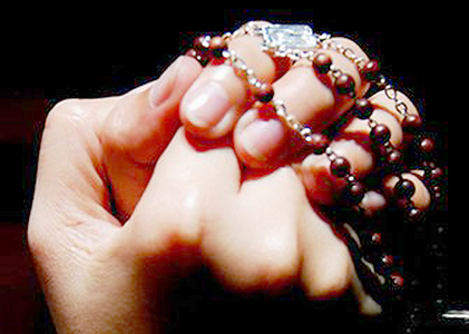 Overseas Pinoys launch Rosary brigade for Marawi crisis