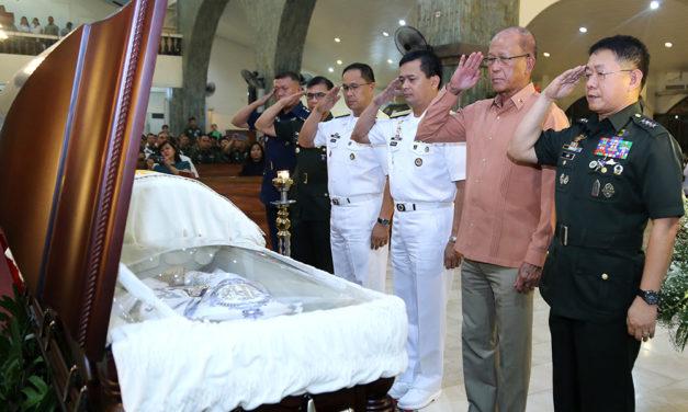 AFP pays tribute to Bishop Tumulak