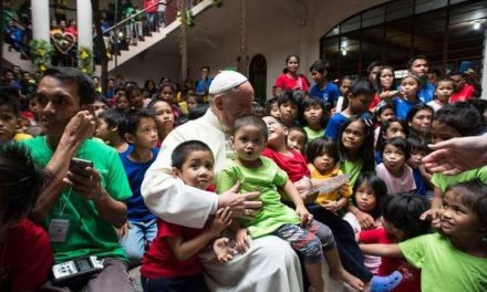 For first World Day of the Poor, Francis encourages personal encounter