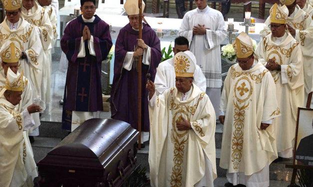 Military Bishop Tumulak laid to rest