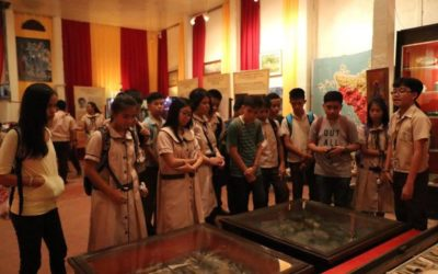 Christe Regians open school year with 'museum tour'