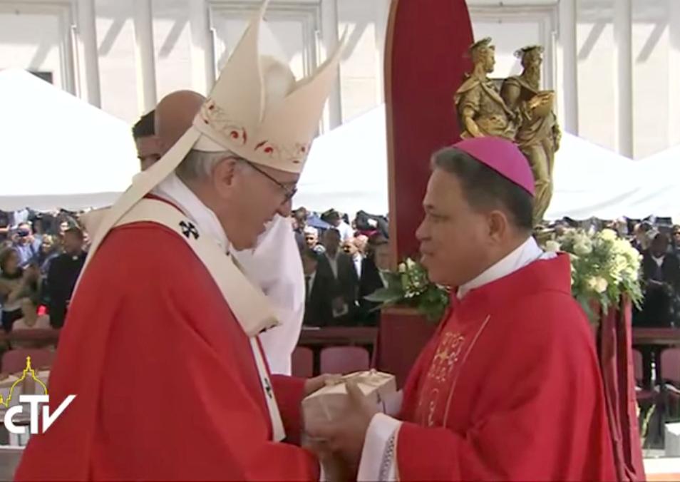 Pope express solidarity with Filipinos amid Marawi crisis