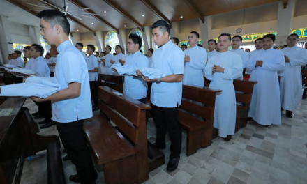 Seminarians told: Priesthood begins with 'small steps'