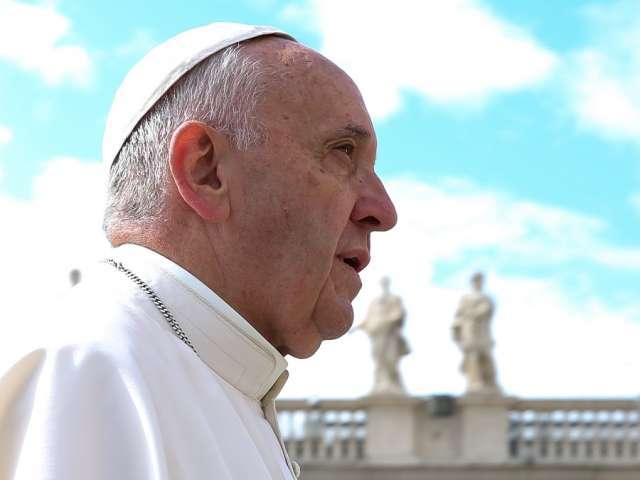 'Arbitrary expulsions' won't solve the migration crisis, Pope says