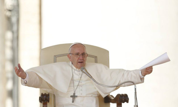 In letter to Cardinal Sarah, pope clarifies new translation norms