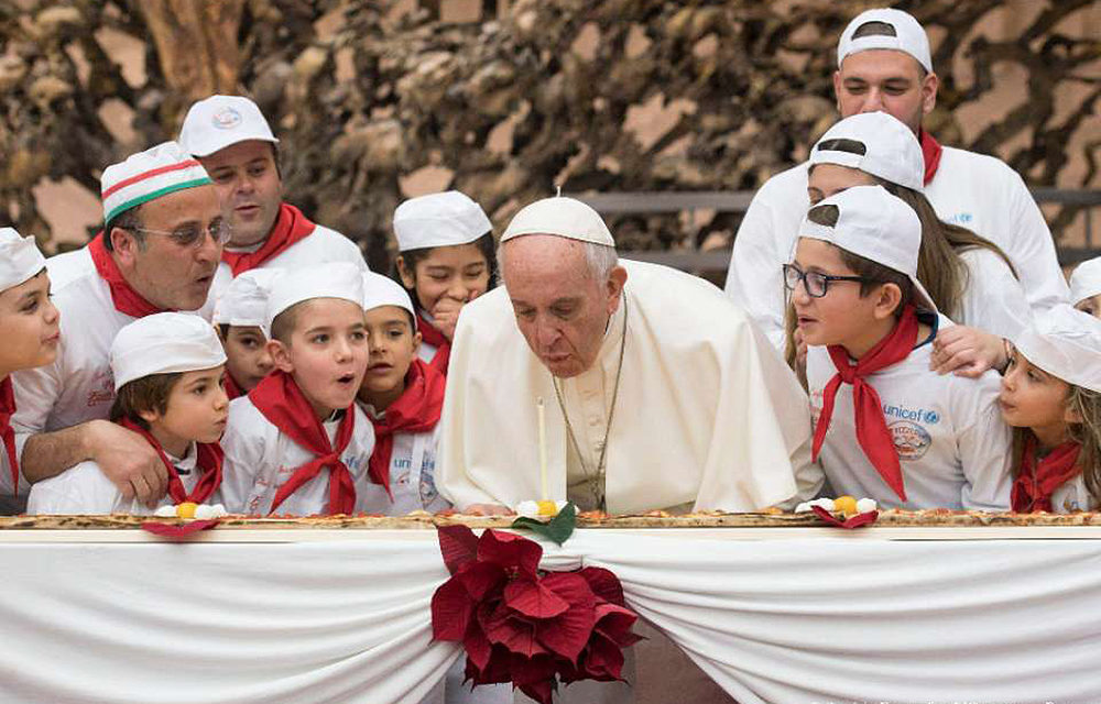On his birthday, Pope Francis hosts pizza party for sick children
