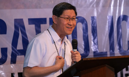 Tagle suggests 'digital detox' in social media age