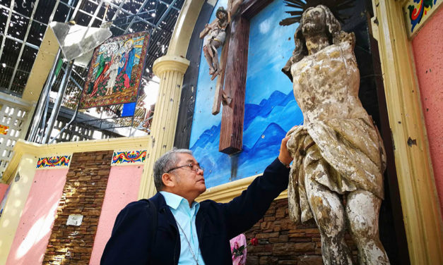 Bishop makes first visit to Marawi cathedral since siege