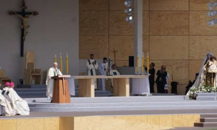 In Chile, Pope says Beatitudes aren't 'cheap words', but sources of hope