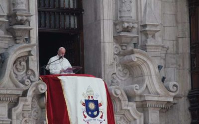 Don't 'photoshop' your heart – be who you are, Pope tells young Peruvians