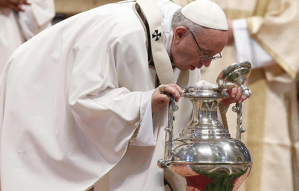 Pope celebrates Chrism Mass
