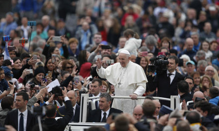 Gospel calls Christians to reject economy that exploits, pope says