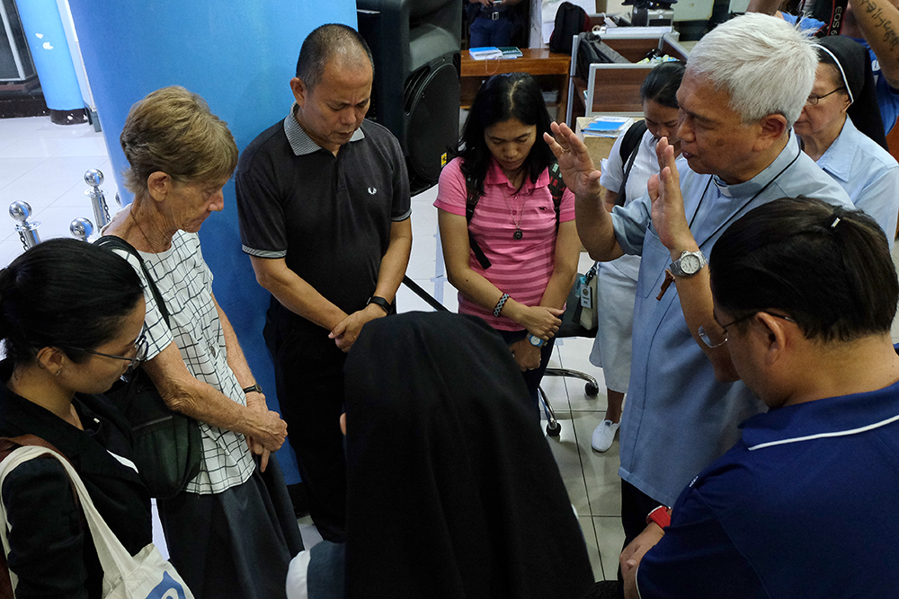 Immigration bureau detains year old nun cbcpnews