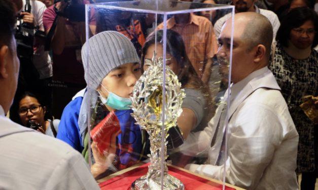 St. John Paul II relic draws thousands of devotees