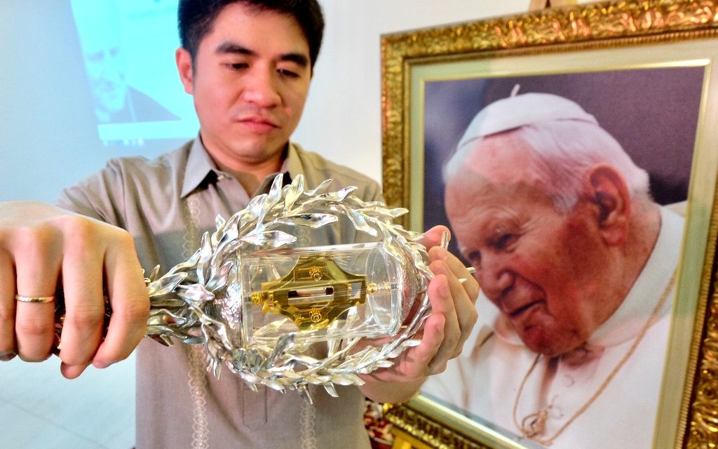 Priest: St. John Paul II relic, reminder of 'dignity of life'