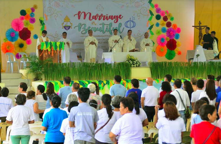 Thousands pray for junking of divorce bill at 'marriage march'