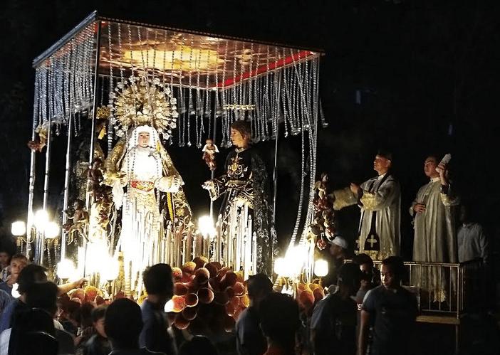 Faithful told: 'Sacraments more important than sacramentals'