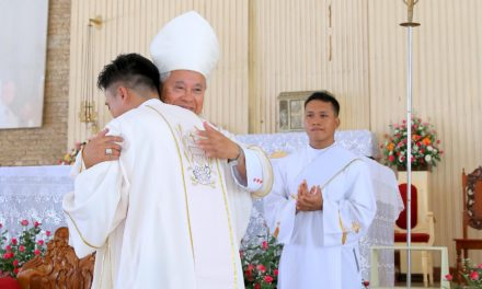 New deacons told: 'Look beyond comfort'