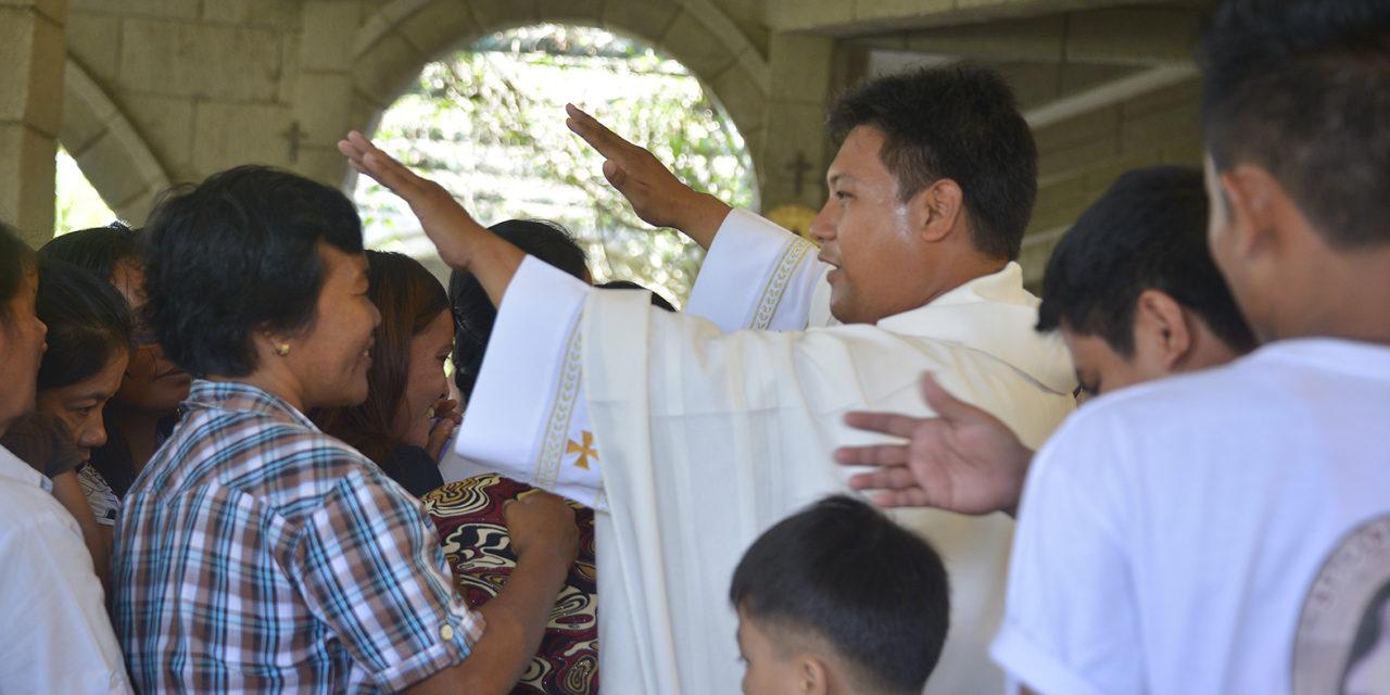 Cardinal Tagle deplores priest's murder
