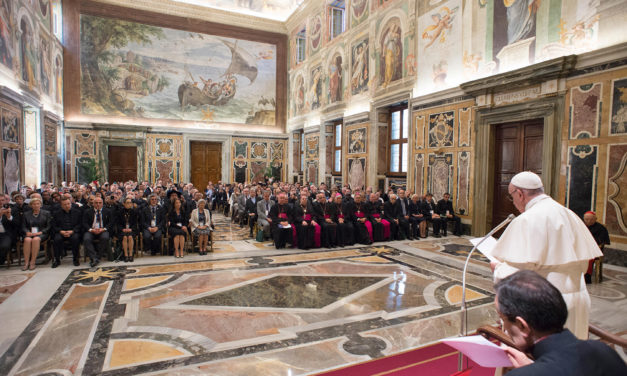 Pope Francis: Support life at all stages, avoid 'dirty work of death'