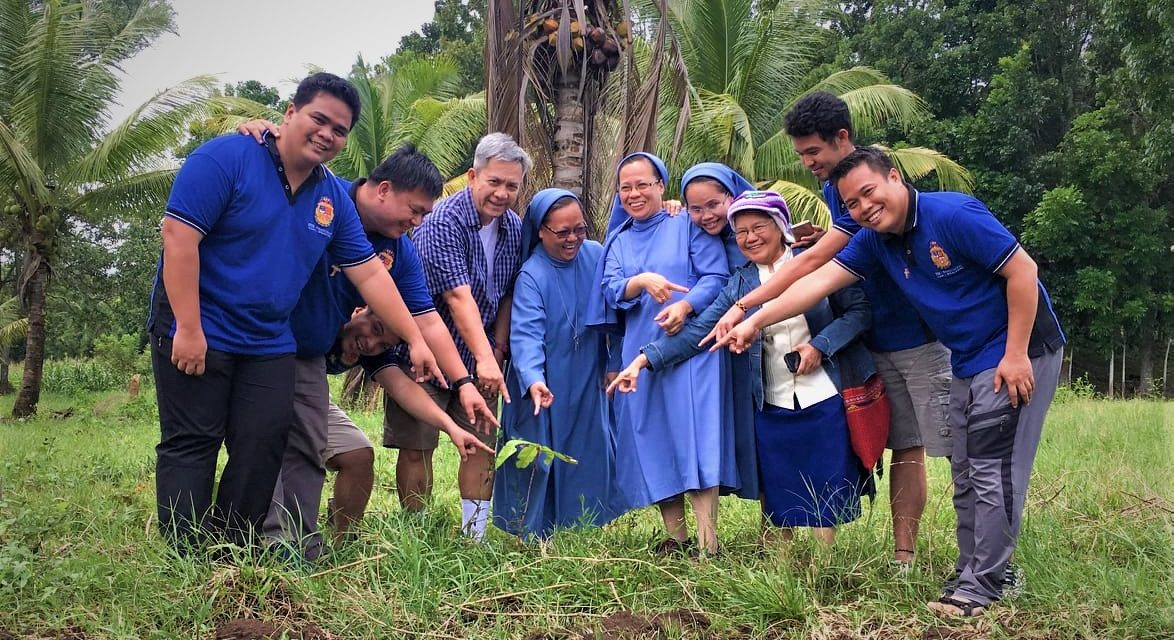Kidapawan clergy mark 'Year of Clergy' with tree-planting