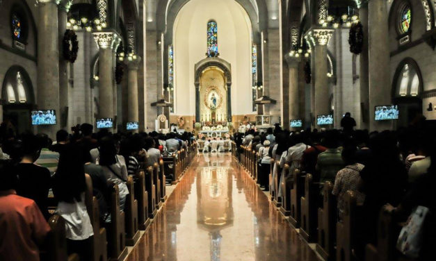 Manila archdiocese leaves Carlos Celdran's fate to gov't