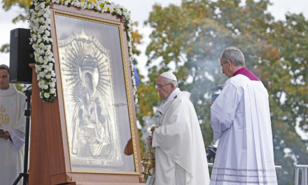 Stay close to the suffering, forgive one another, pope tells Latvians