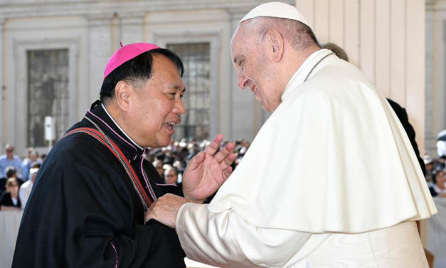 Bishop Mayugba meets Pope Francis in General Audience