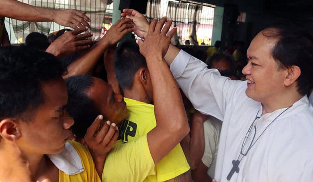 Bishop David visits Caloocan prison