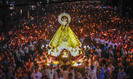 Devotees join La Naval procession