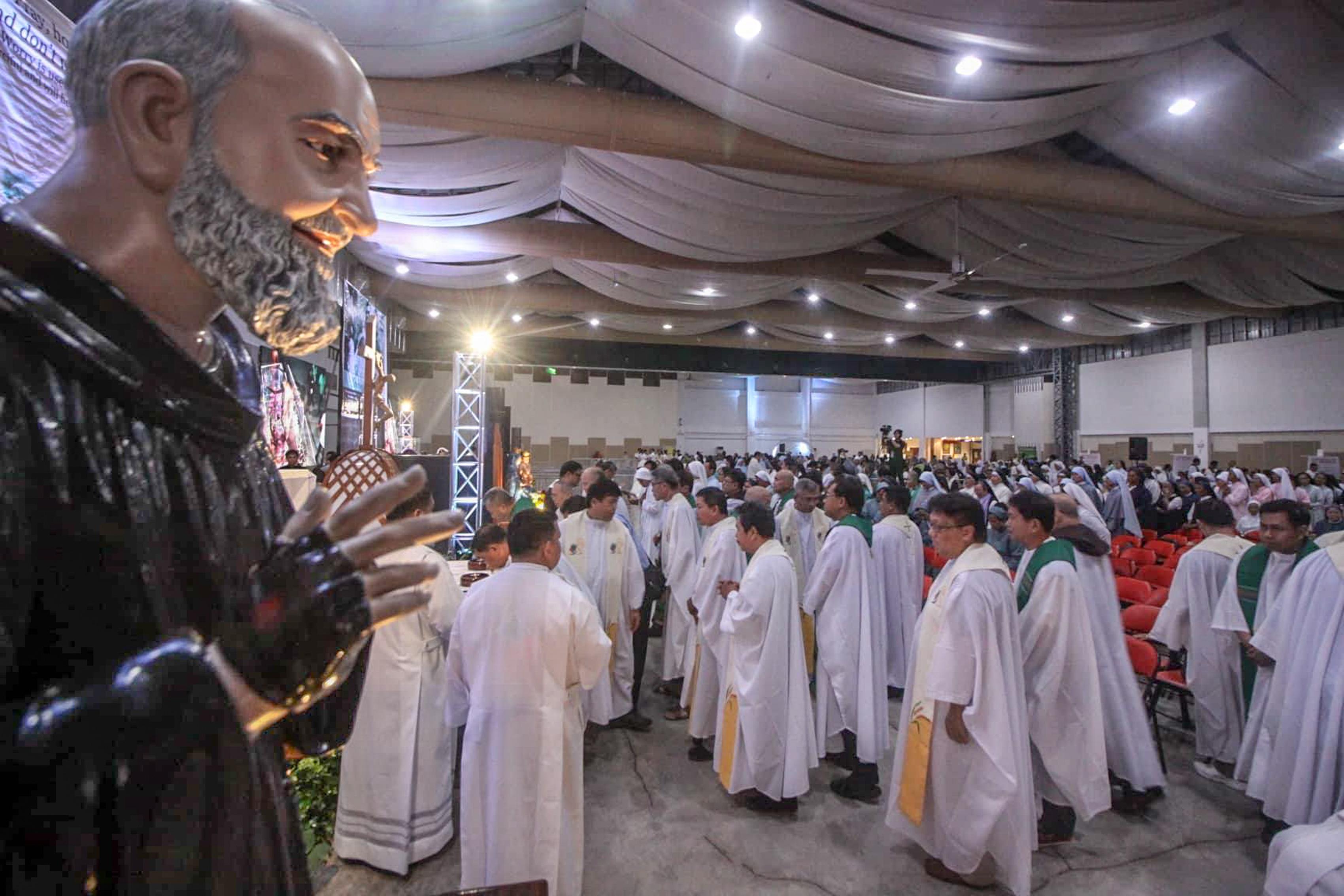 PadrePio-Cebu-CBCPNews-101218-03