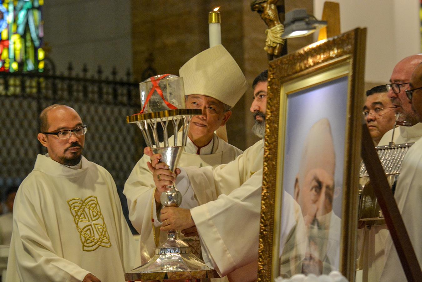 PadrePio-MlaCathedral-CBCPNews-100918-02